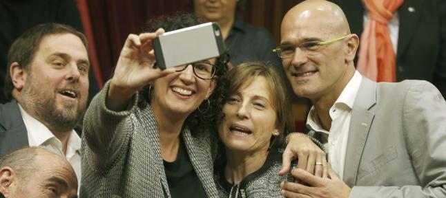 Oriol Junqueras y Marta Rovira de ERC, con Carme Forcadell, actual presidenta del Parlament y Raül Romeva en la coalición de Junts el Sí